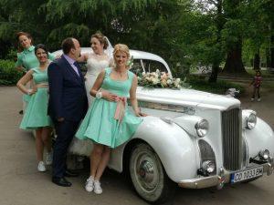 Наем на ретро коли за балове и сватби
