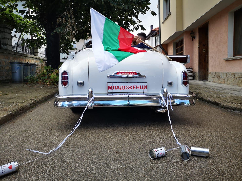 На сватба с ретро автомобили Пакард и ДеСото
