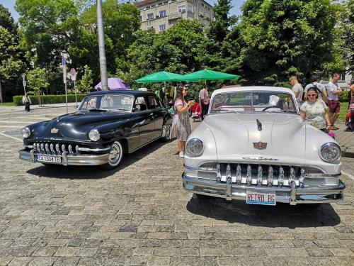 001-desoto-cabriolet-sofia-parade