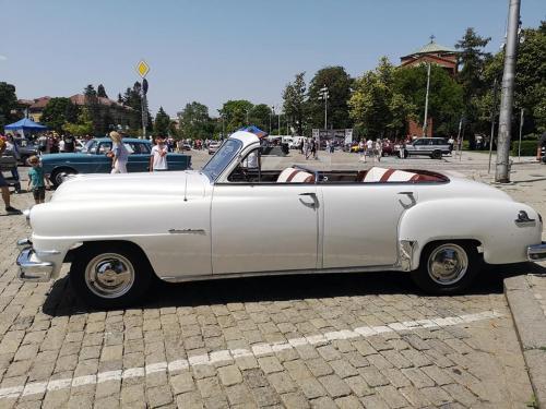011-desoto-cabriolet-sofia-parade