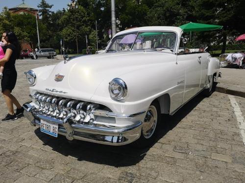 013-desoto-cabriolet-sofia-parade