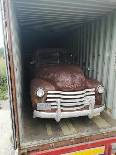 03.retro-chevy-1952