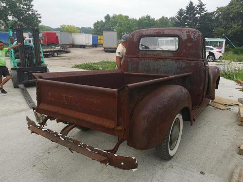 09.retro-chevy-1952