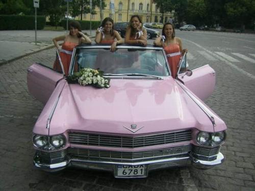 Ретро Сватба с Цецо Елвиса и розов Кадилак
